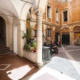 Comfortable apartment close to Piazza Navona