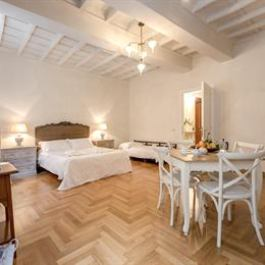 HI Spanish Steps apartment Rome
