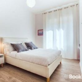 Lovely modern 2 bed flat in a great area