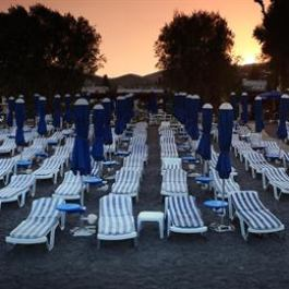 Parilti Beach Apartments